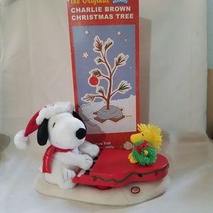 Snoopy/Woodstock  Animated Plush w/ CB Tree